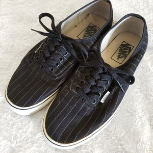 Vans Low Top Black and white vertical striped shoe